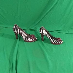 Madden girl sz 10 animal print karlla heels